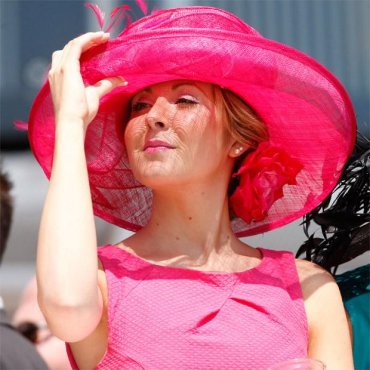 لماذا تفضل النساء اللون الوردي-الزهري