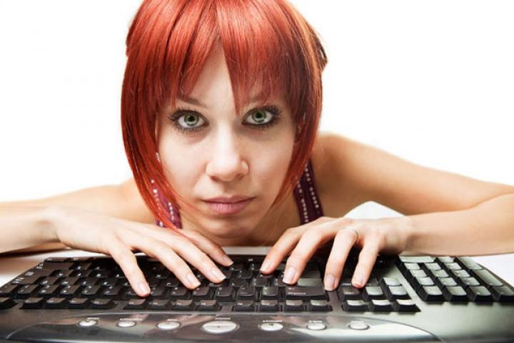 هل انت مدمن على الإنترنت؟ إقرأ جيداً العواقب