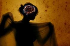 ما هو تأثير مشاهد العري على الدماغ؟