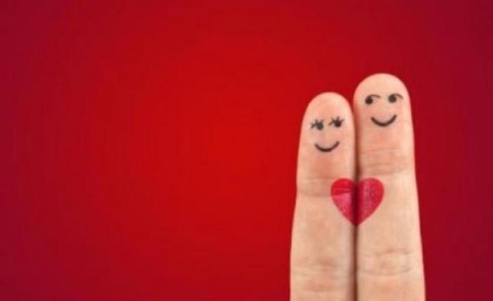 كيف تعرفين أن كان شريكك جدياً في العلاقة؟